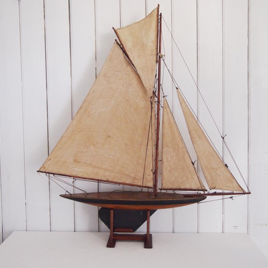 Wood Hull  Vintage Pond Yacht C1930s