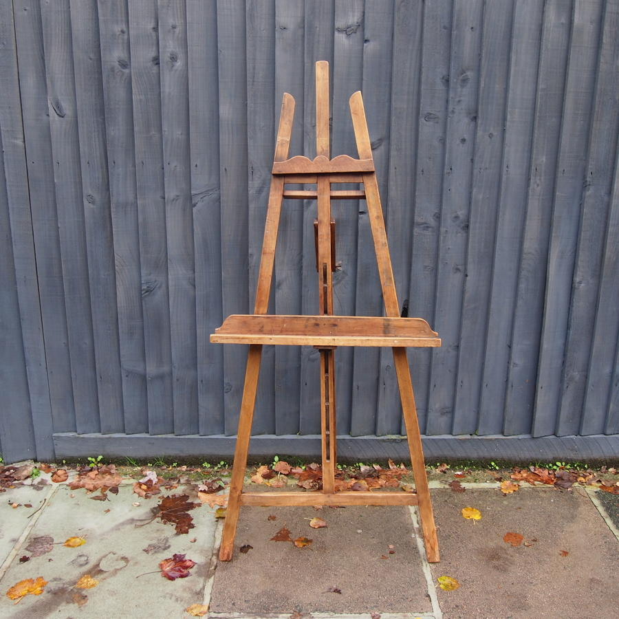 Medium Size Wooden French Artists Easel C1920s