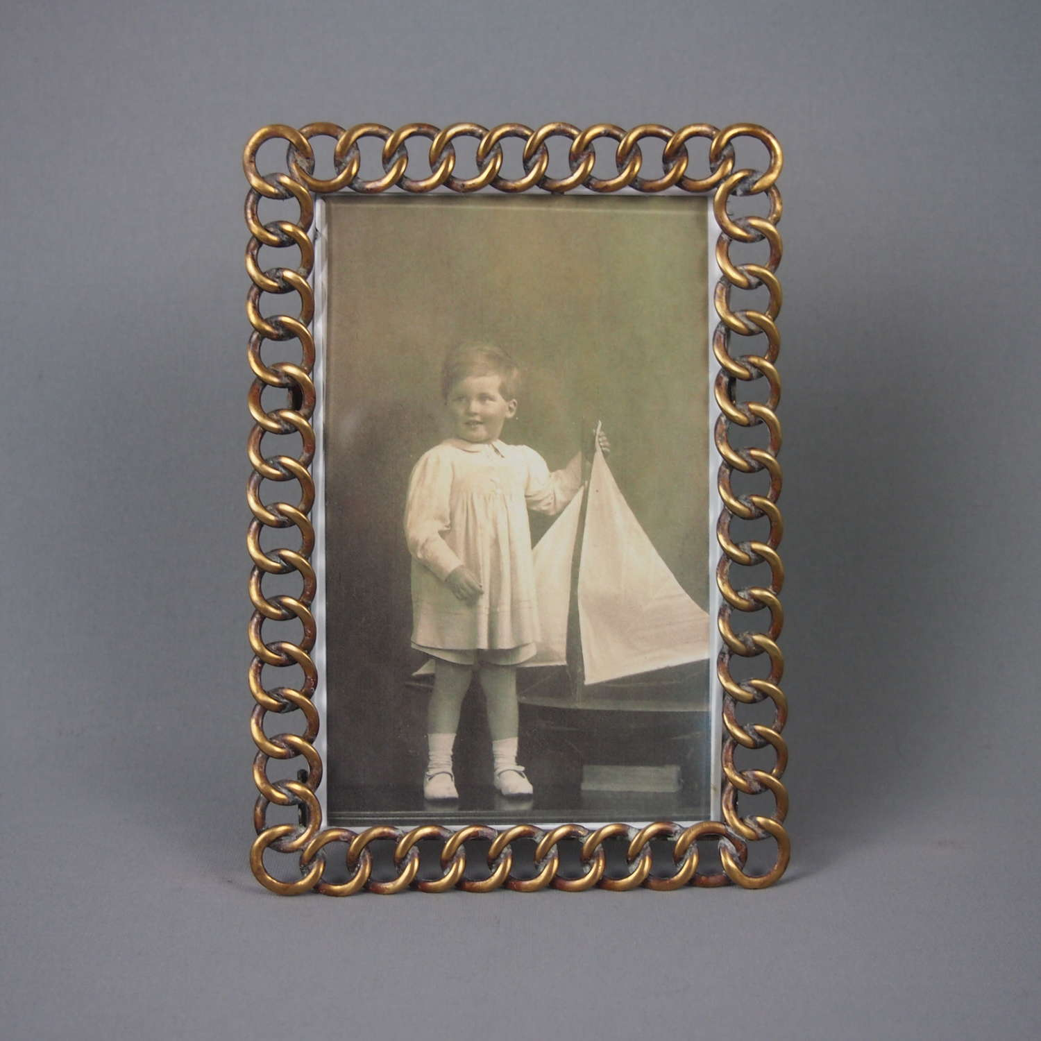 Brass Loop Antique Victorian Picture Frame. W8472