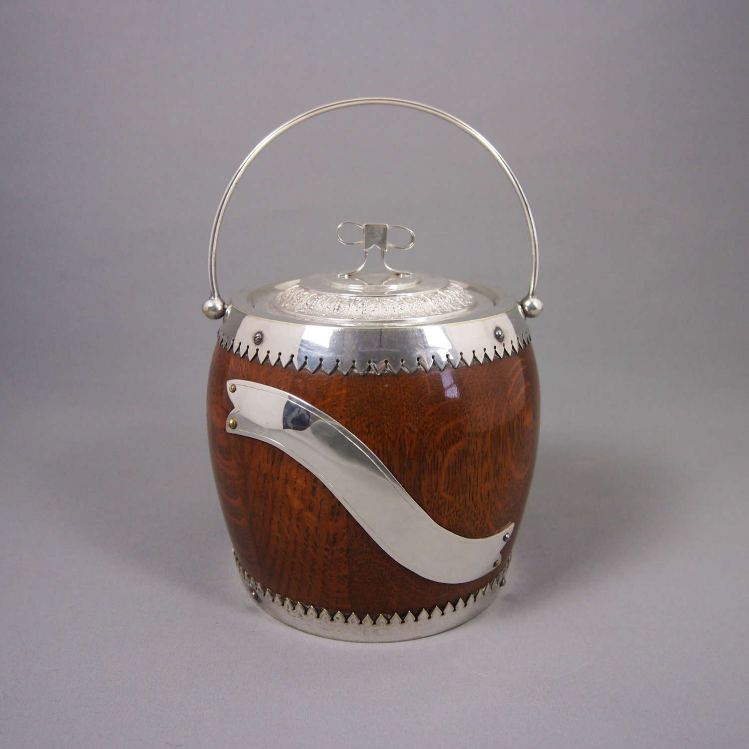 Oak & Silver Plated Bow Topped Vintage Biscuit Barrel. W8488