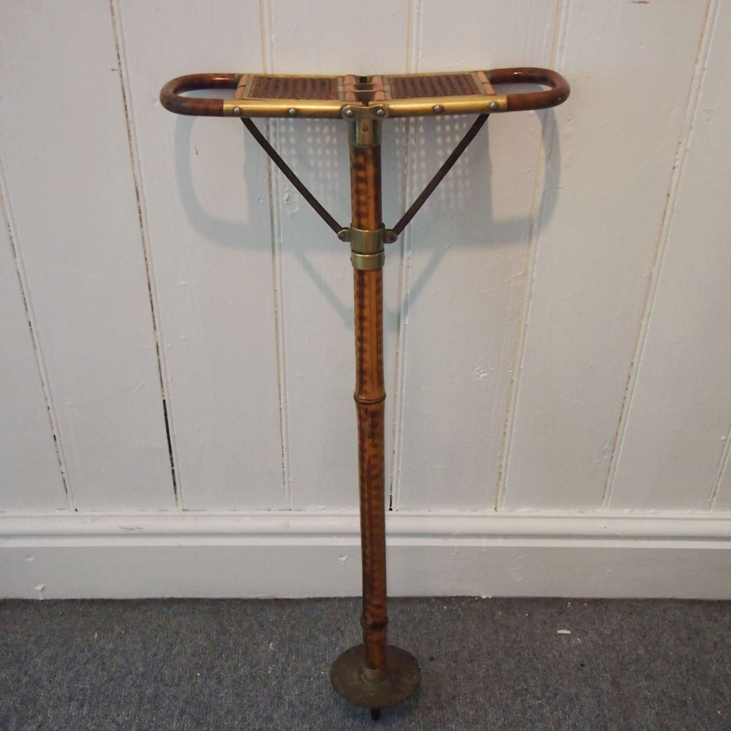Antique bamboo and woven seat shooting stick. W8495