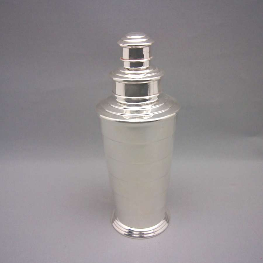 Deco Stepped Design Tall Silver Plated Cocktail Shaker W8551