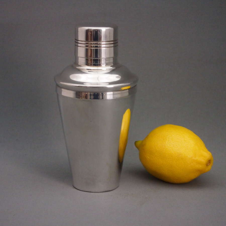 Baby Sized Vintage Silver Plated Cocktail Shaker W8558