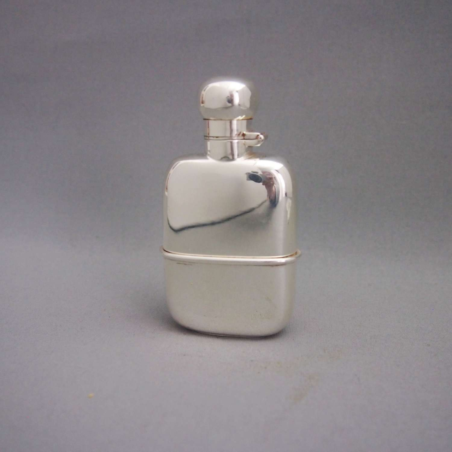Small Silver Plated Pocket Drinking Flask W8565