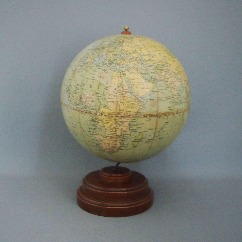 Phillips 8 Inch Vintage Challenge Globe W8587