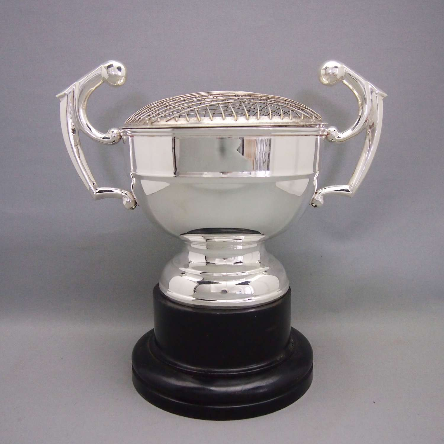 Large Silver Plated Vintage Rosebowl Trophy on Stand. W8589