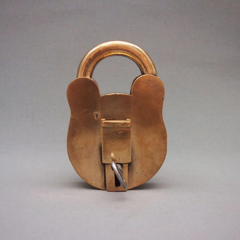 Large heavy Quality Copper Vintage Lock W8597