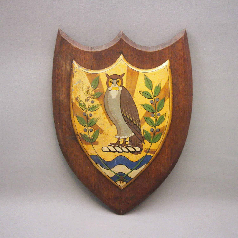 Large Vintage Unusual Owl Painted University Crest. W8631