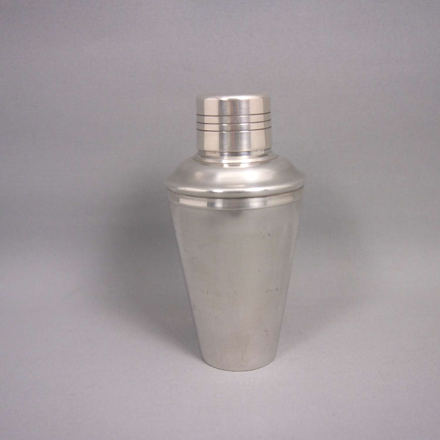 Vintage Small Silver Plated Cocktail Shaker . W8635