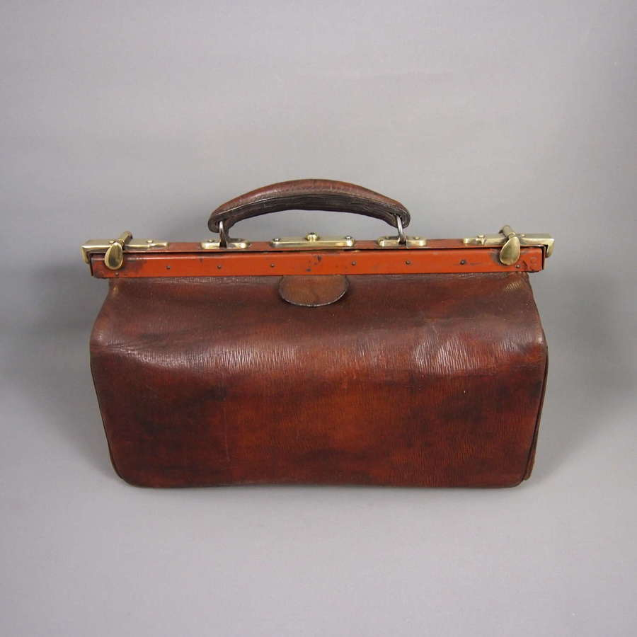 Antique Leather Doctors Gladstone Bag . W8640