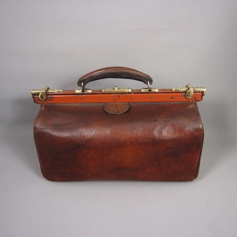 Antique Leather Doctors Gladstone Bag . W8640